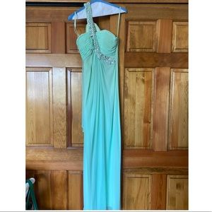 Mint Green Gown 👗